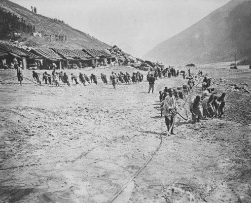 Yangzi-Treidler bei der Arbeit, 1911